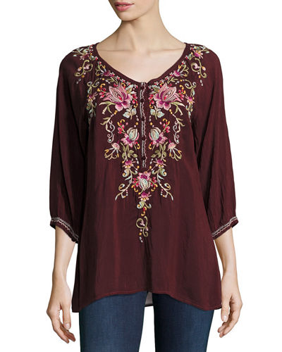 Moon 3/4-Sleeve Embroidered Blouse