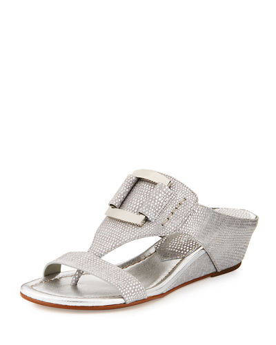 Daun Buckle Leather Wedge Sandal