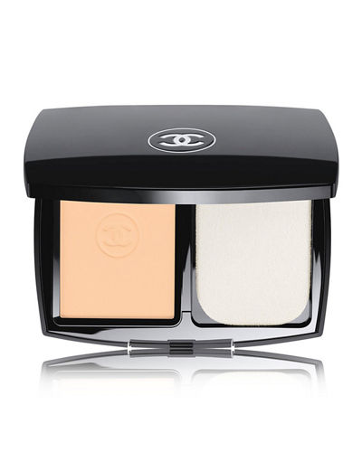 CHANEL <b>LE TEINT ULTRA TENUE</b><br>Ultrawear Flawless Compact Foundation Broad Spectrum SPF 15 Sunscreen