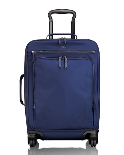 Voyageur International Carry-On Luggage