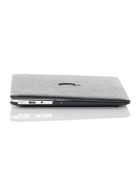 "Image 3 of 4: Chic Geeks Silky 15"" MacBook Pro Case with TouchBar"