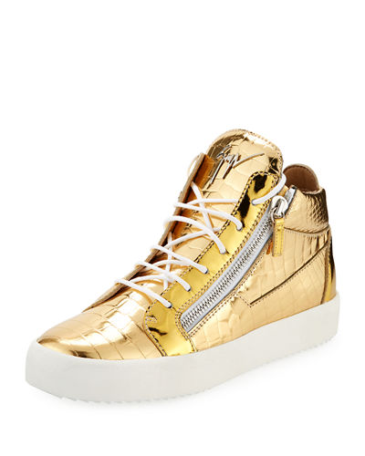 5a2b6ee98466 Embossed Gold Shoes