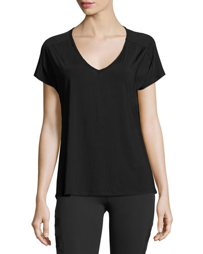 Beyond Yoga Sleek Stripe Triangle Cutout Athletic Top