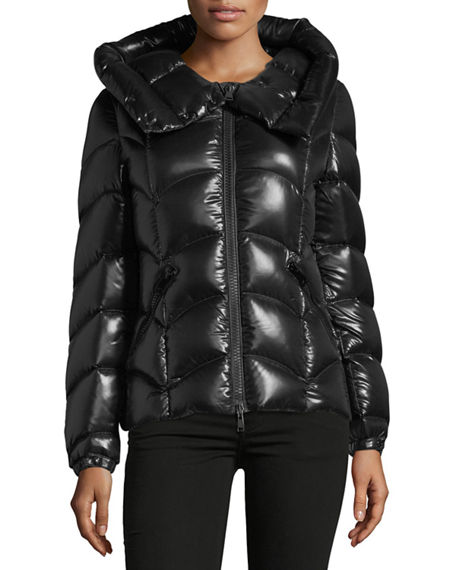 Akebia Hooded Wave Puffer Jacket