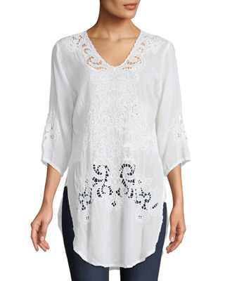 ARLENE EYELET APPLIQUE TOP