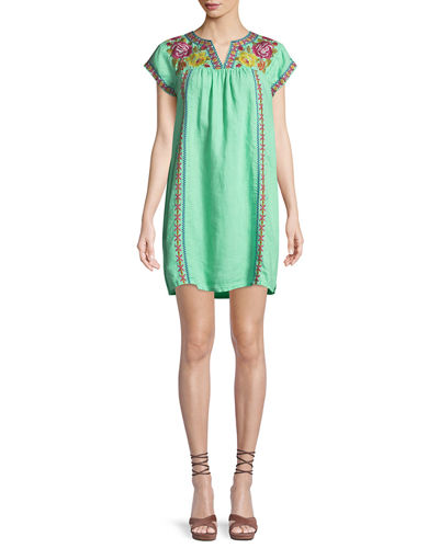 Plus Size Vella V-Neck Embroidered Shift Dress