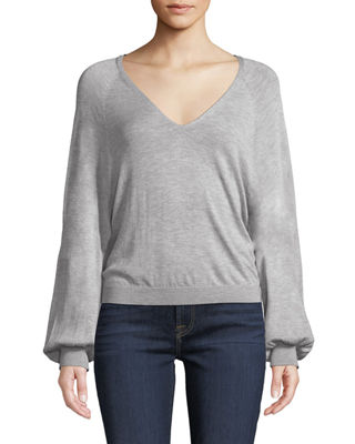 7 FOR ALL MANKIND Cropped V-Neck Blouson-Sleeve Sweater in Gray