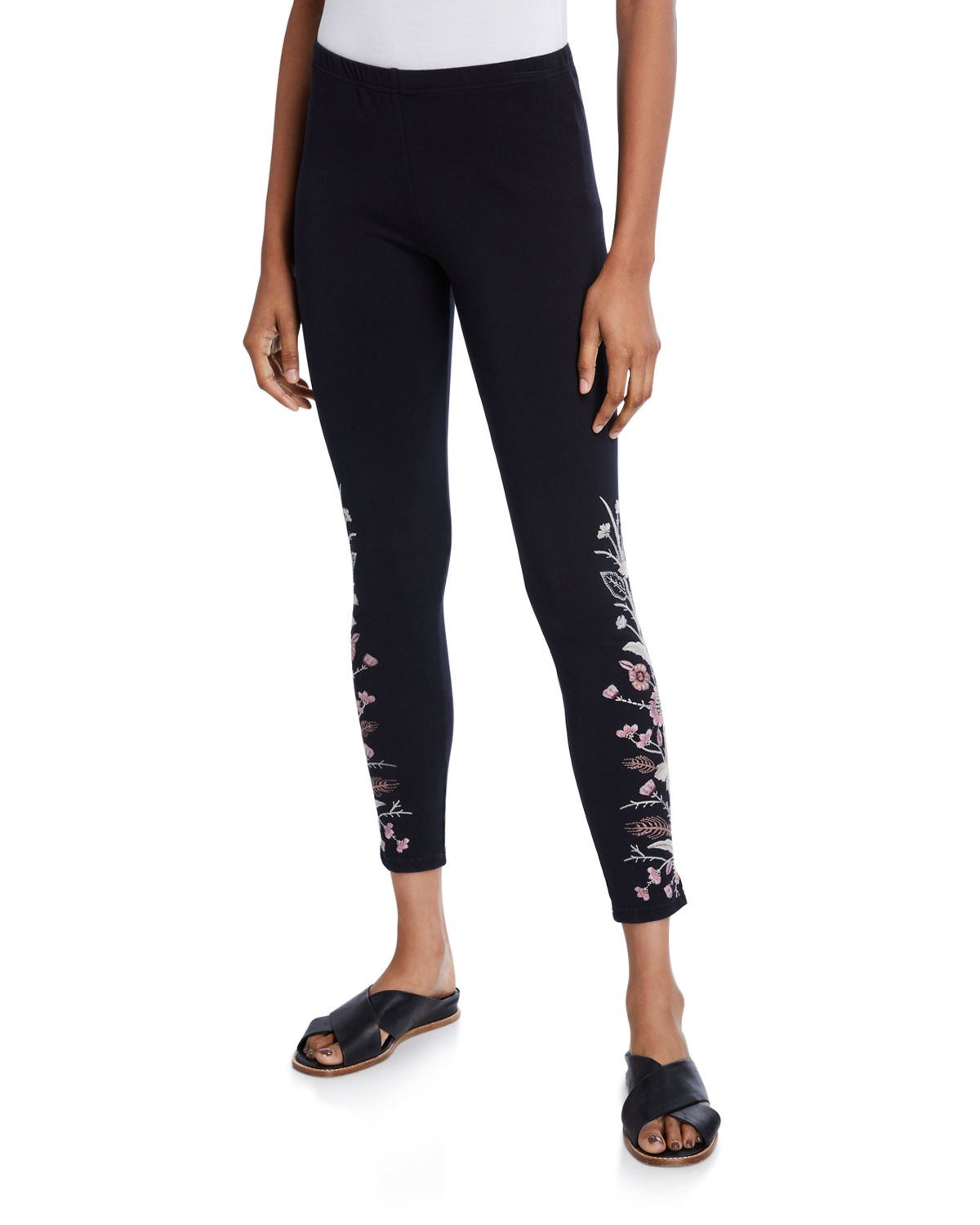 Plus Size Rosa Embroidered Leggings